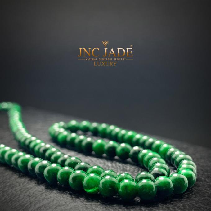 Theo đại diện thương hiệu, JNC Jade là đơn vị duy nhất chế tác và cung cấp độc quyền sản phẩm ngcoj Phỉ thúy. Với sự sáng tạo trong thiết kế, bộ sưu tập Thượng Thặng Bảo Ngọc Trâm Anh từ ngọc Phỉ thúy sẽ tạosức hút đối với người tiêu dùng.