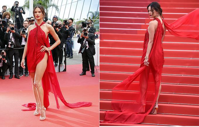 Là gương mặt đại diện của các nhãn hàng cao cấp nên Alessandra thường xuyên được mời đến thảm đỏ các kỳ liên hoan phim Cannes.