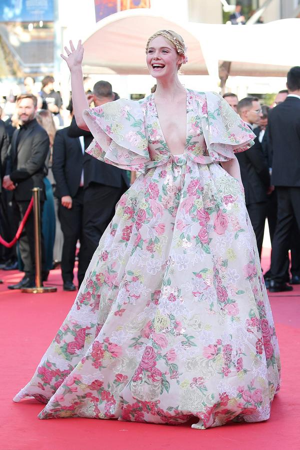 Mỗi lần bước ra thảm đỏ, nữ diễn viên 21 tuổi người Mỹ đều gây ấn tượng với nhan sắc xinh đẹp rạng rỡ.