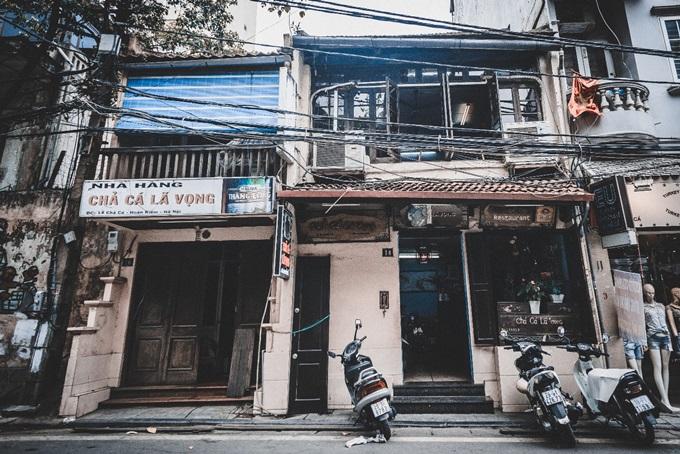 Nhà hàng Chả cá Lã Vọng của họ Đoàn mở cửa qua 5 thế hệ, tồn tại hơn một thế kỷ và nổi tiếng trong, ngoài nước. Con phố có nhà hàng này tại Hà Nội nay đổi tên thành Phố Chả cá.