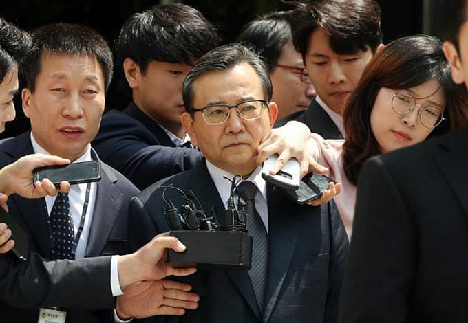 Cựu thứ trưởng Hàn Quốc nghi dự hơn 100 tiệc sex bị bắt