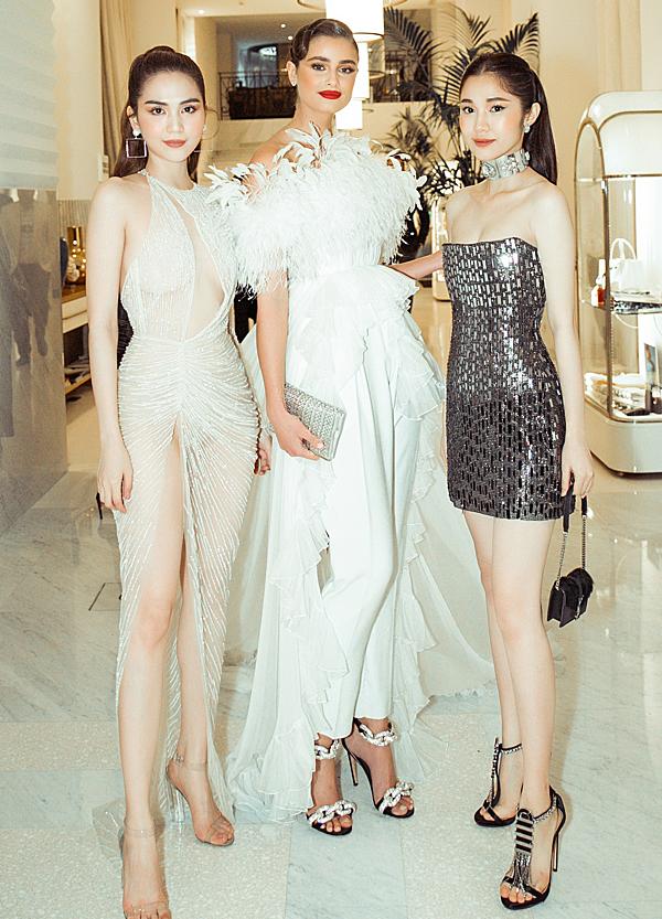 Ngọc Trinh và Quỳnh Hương gặp gỡ thiên thần Victorias Secret Taylor Hill (giữa).