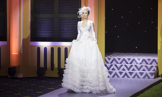 Paris Vũ được nhà thiết kế nhận xét là đã thể hiện đúng tinh thần sưu tập mà anh muốn truyền tải tới khán giả.
