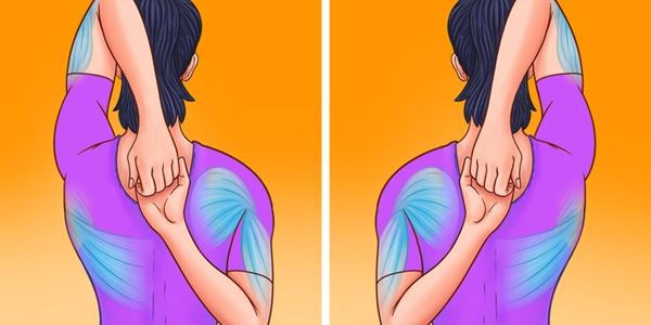 Vòng hai tay ra phía sau lưng, một tay trên một tay dưới, hai lòng bàn tay đan vào nhau, kéo căng vùng cổ và vai. Lặp lại động tác 8 lần mỗi bên.
