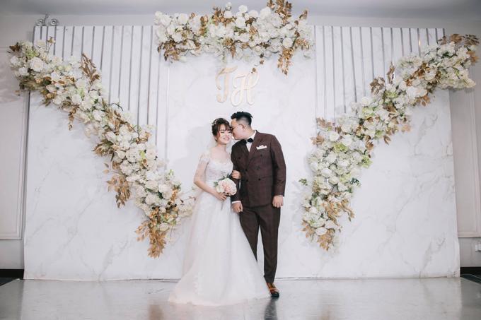 Vào ngày 4/5, uyên ương đã tổ chức tiệc cưới tại Hà Nội - quê cô dâu.