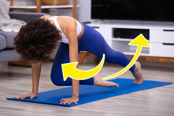 Động tác rút gối Khi thực hiện với tốc độ cao, bài tập này có hiệu quả tương đương tập cardio. Bài tập này giúp giảm mỡ bụng trên và làm săn chắc cơ đùi.Chuẩn bị ở tư thế chống đẩy, thực hiện động tác rút gối liên tục với tốc độ nhanh 30 lần mỗi bên. Lặp lại 3 hiệp.