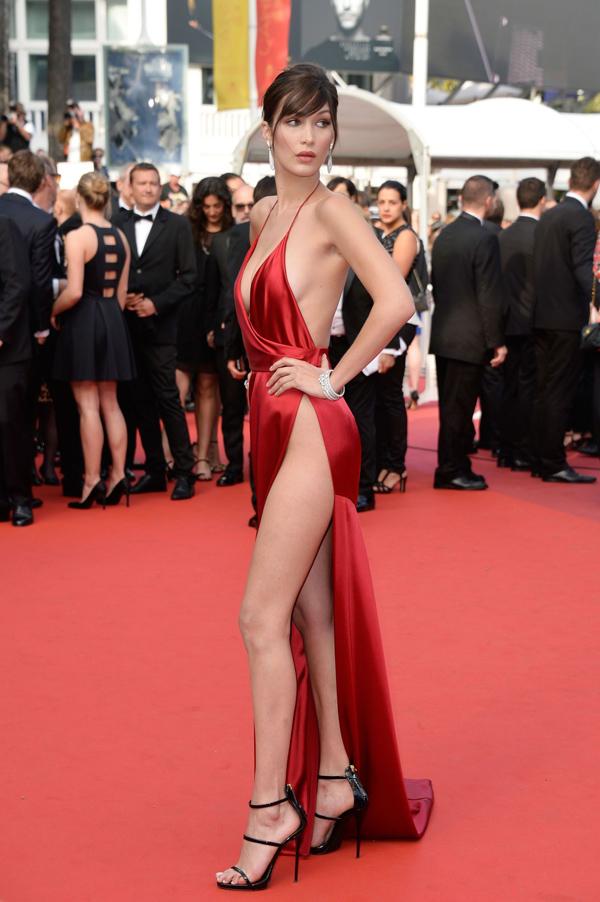 Xiêm y hở bạo càn quét thảm đỏ Cannes - 3