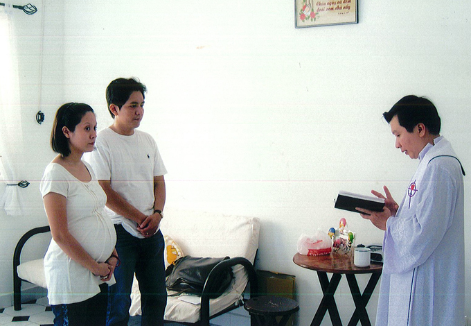 Năm 2009 Thanh Thúy và Đức Thịnh mua được căn chung cư đầu tiên bằng tiền vay mượn người thân, bạn bè. Họ rất vui vì kịp có tổ ấm riêng trước khi đón con trai đầu lòng chào đời. Cả hai mời cha nhà thờ tới làm phép trước khi chuyển tới sống ở nhà mới.