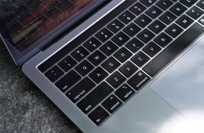 MacBook Pro 2019 nâng cấp cấu hình, sửa lỗi bàn phím