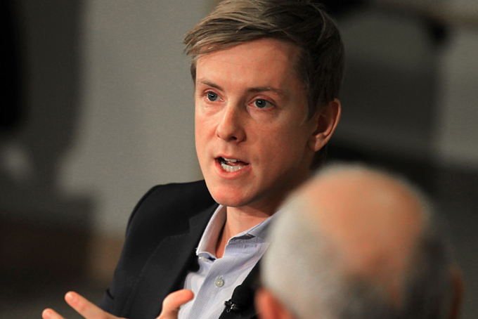 Đồng sáng lập Facebook Chris Hughes - người kêu gọi giải tán nền tảng. Ảnh:CNBC.