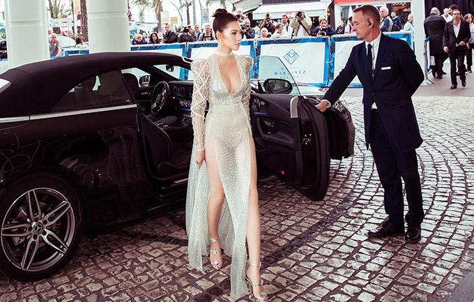 [Caption Vào tối ngày 24/05 (theo giờ Pháp), buổi lễ trao giải World Bloggers Awards, một phần trong khuôn khổ của Liên hoan phim Cannes thường niên lần thứ 72đã được diễn ra tại Cannes, Pháp. Được biết, World Bloggers Awards là lễ trao giải đầu tiên trên thế giới dành cho những blogger xuất sắc nhất qua 22 đề cử.  Sự kiện nhằm kết nối, tôn vinh những người có ảnh hưởng và có chính kiến từ khắp nơi trên thế giới trong các lĩnh vực khác nhau, giúp xã hội của họ phát triển tốt hơn.