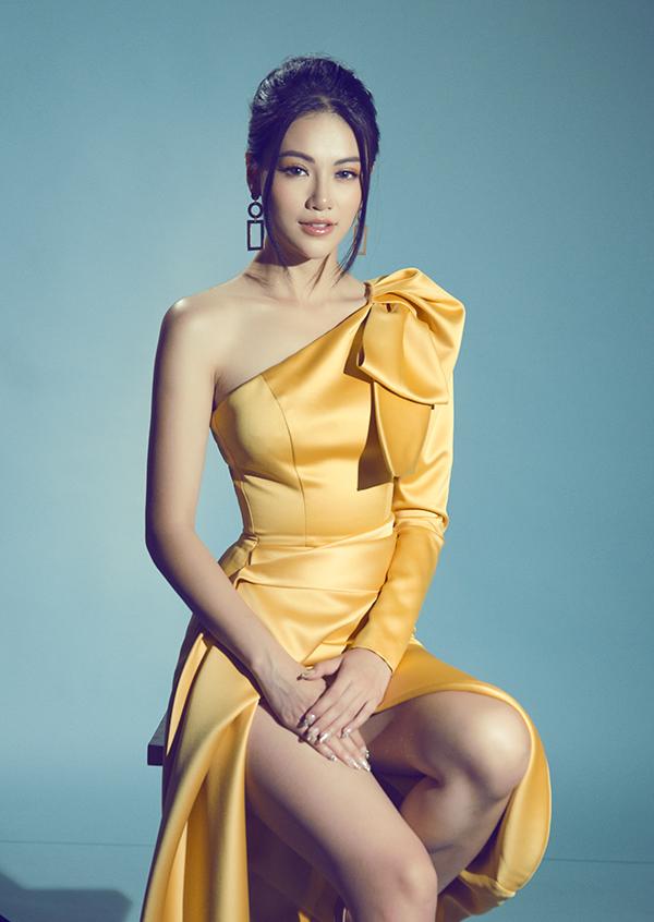 Sao Việt mê váy lệch vai của Nguyễn Hà Nhật Huy - 11