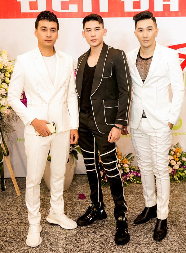 Từ trái qua: diễn viên Ngọc Thuận, người mẫu Minh Trung và người mẫu Nam Phong đọ vẻ lịch lãm.