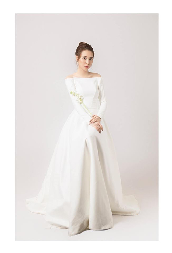 Vì quá bận rộn nên lúc chụp ảnh cưới cũng là lần đầu tiên Đàm Thu Trang thử váy.