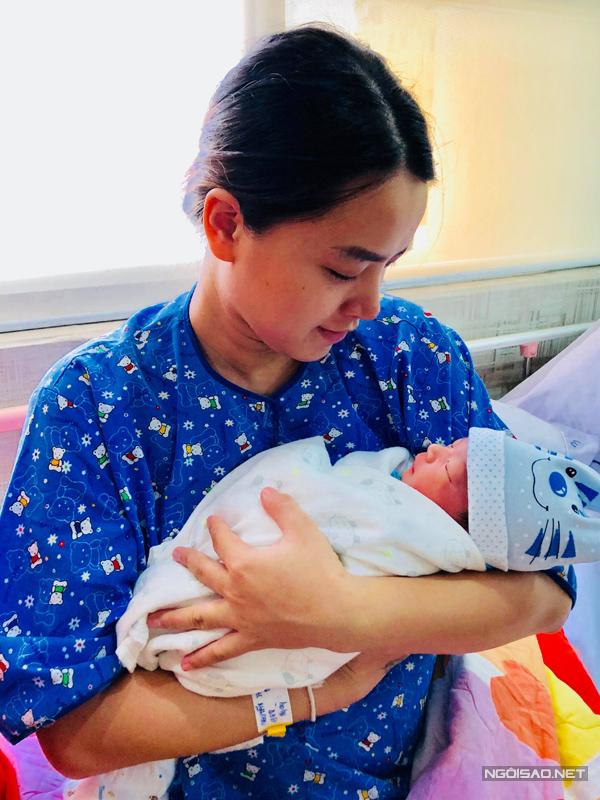 Ngày 17/8/2018, Hải Băng sinh con trai thứ hai. Cậu bé nặng 3,2km, trông rất kháu khỉnh và đáng yêu khi chào đời. Sinh được con trai theo đúng ý nguyện nên Hải Băng rất vui mừng. Thời điểm đó, Hải Băng dự định hoạt động nghệ thuật trở lại khi con trai cứng cáp.