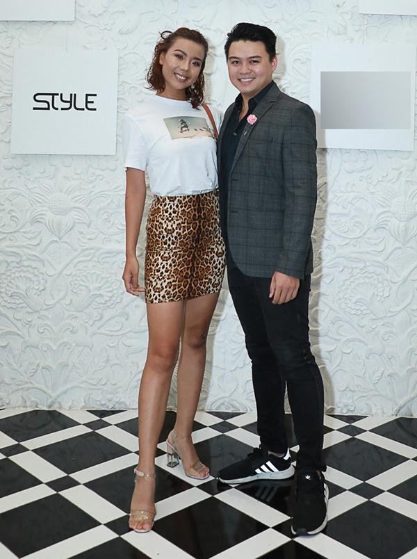 Người mẫu Lại Thanh Hương đi xem thời trang cùng bạn trai mới.