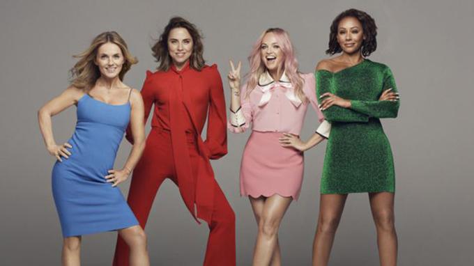 Tour diễn vòng quanh nước Anh của Spice Girls kéo dài tới giữa tháng 6, vắng mặt Victoria Beckham.