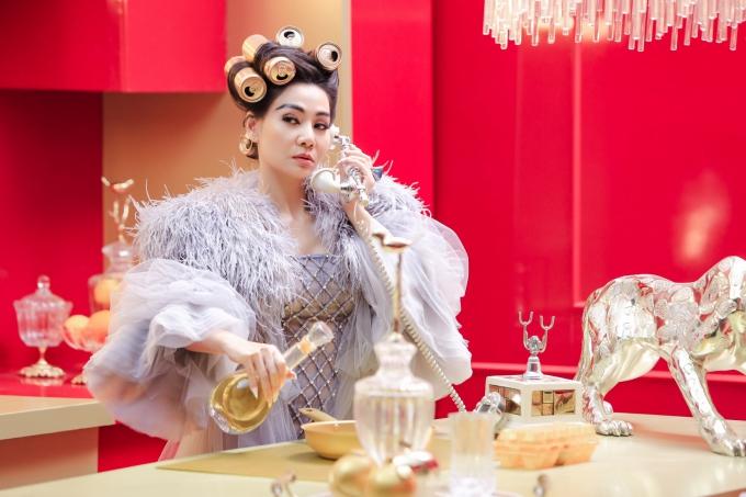 Trong teaser, Thu Minh không ngần ngại đáp trả antifan với những bình luận tiêu cực dồn về phía mình thời gian qua.
