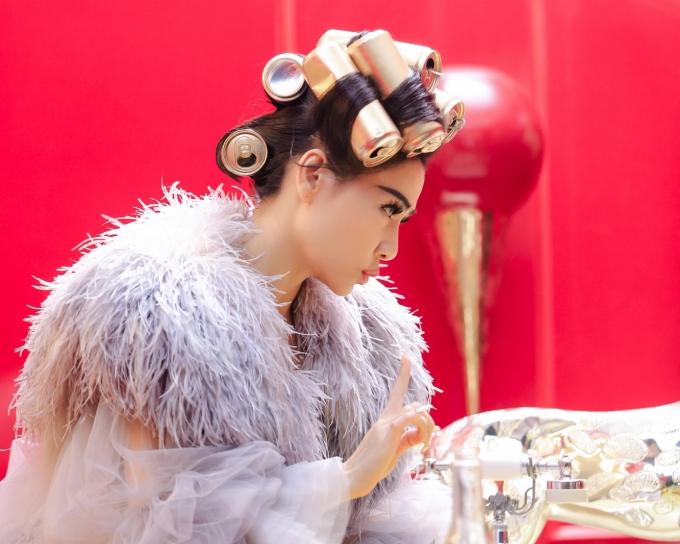 Sản phẩm được đầu tư chất lượng, chỉn chu và được êkíp đánh giá khủng nhất trong sự nghiệp 40 năm đi hát của Thu Minh. Khán giả sẽ được thấy một Thu Minh rất đời, rất thực trong Diva, đại diện nữ ca sĩ nói.