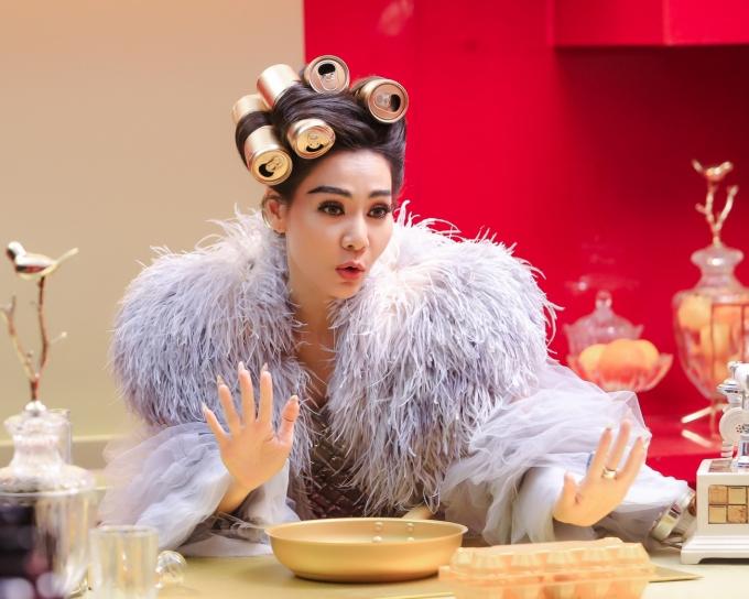 MV Diva là sản phẩm thuộc dự án I am diva của Thu Minh, đạo diễn Kiên Ứng cùng giám đốc sáng tạo Hà Đỗ thực hiện. Riêng ca khúc