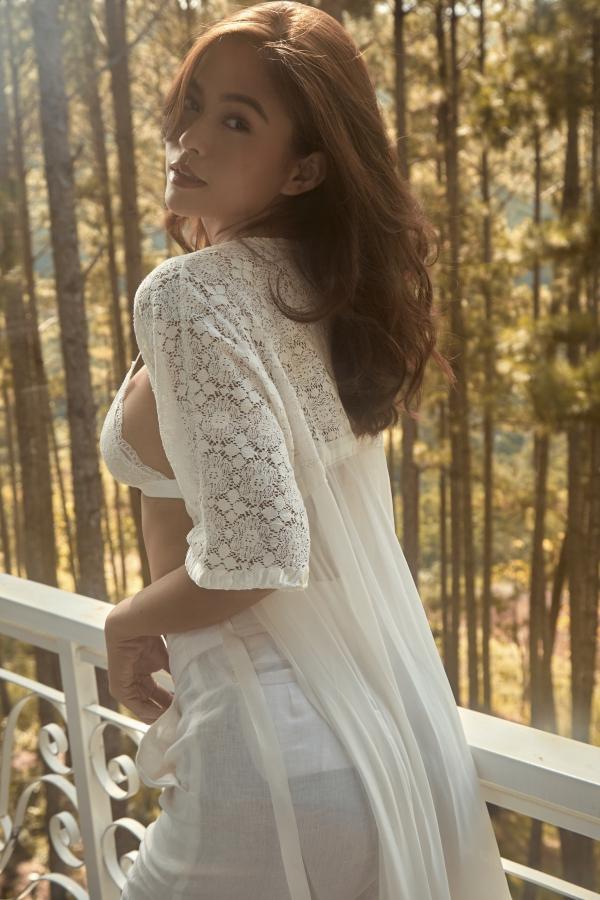 Nhiếp ảnh gia: Hoàng Phúc - stylist: Huy Đặng.
