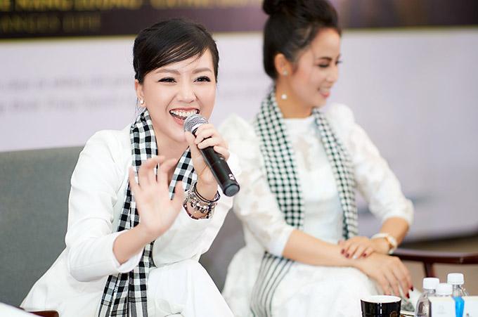 [Caption  Trong phần giao lưu với sinh viên, nữ diễn viên