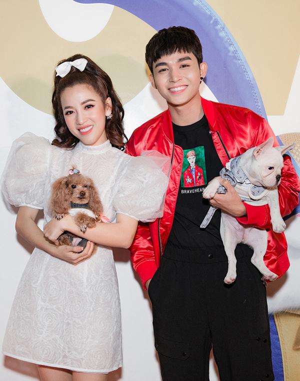 Puka thích thú khi ca sĩ, diễn viên Jun Phạm cũng bế theo một người bạn 4 chân đi dự ra mắt phim Đẳng cấp thú cưng 2.