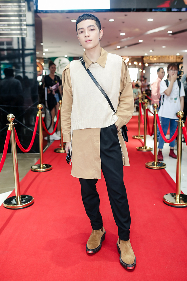 Trương Ngọc Ánh ủng hộ trẻ em ung thư diễn thời trang - 4