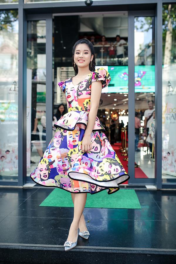 Trương Ngọc Ánh ủng hộ trẻ em ung thư diễn thời trang - 2