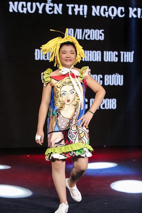 Trương Ngọc Ánh ủng hộ trẻ em ung thư diễn thời trang - 8