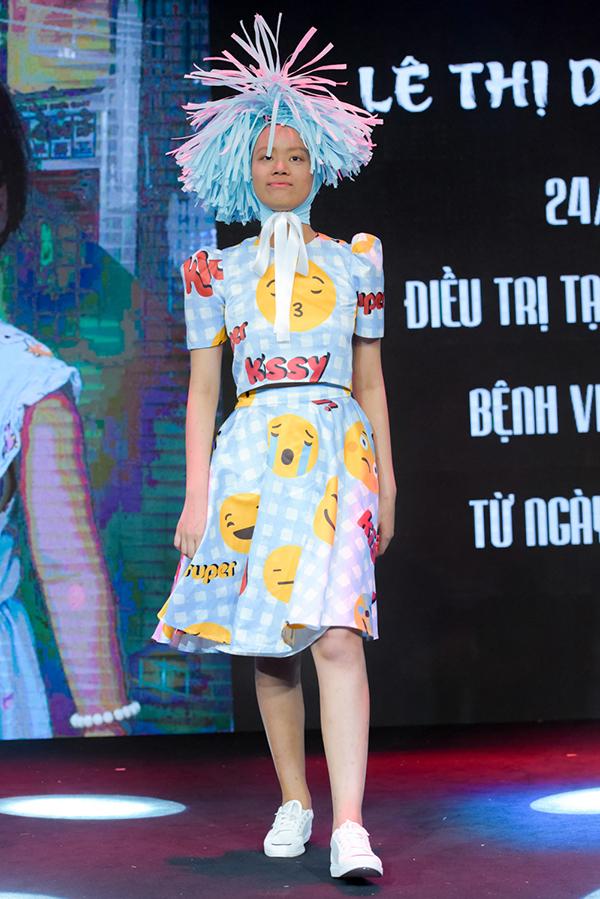 Trương Ngọc Ánh ủng hộ trẻ em ung thư diễn thời trang - 10