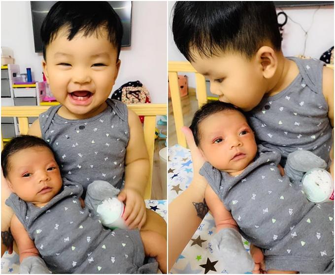 Hải Băng đăng ảnh rõ mặt con trai mới sinh