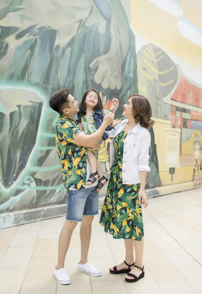 Cuối tuần thật vui của gia đình Vân Trang trong trang phục Old Navy (Xin edit) - 4