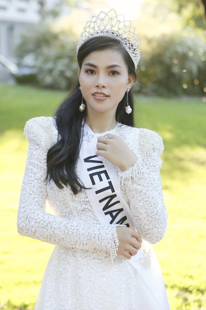 Quỳnh Như đăng quang Á hậuMiss & Mrs Top of the World 2019