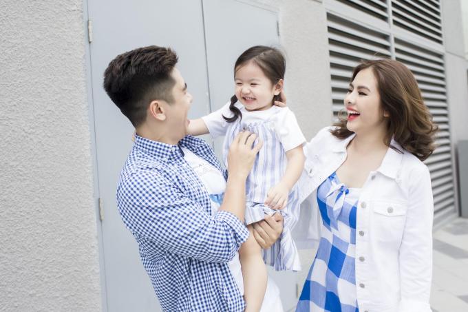 Gia đình Vân Trang diện trang phục Old Navy dạo chơi cuối tuần - 5