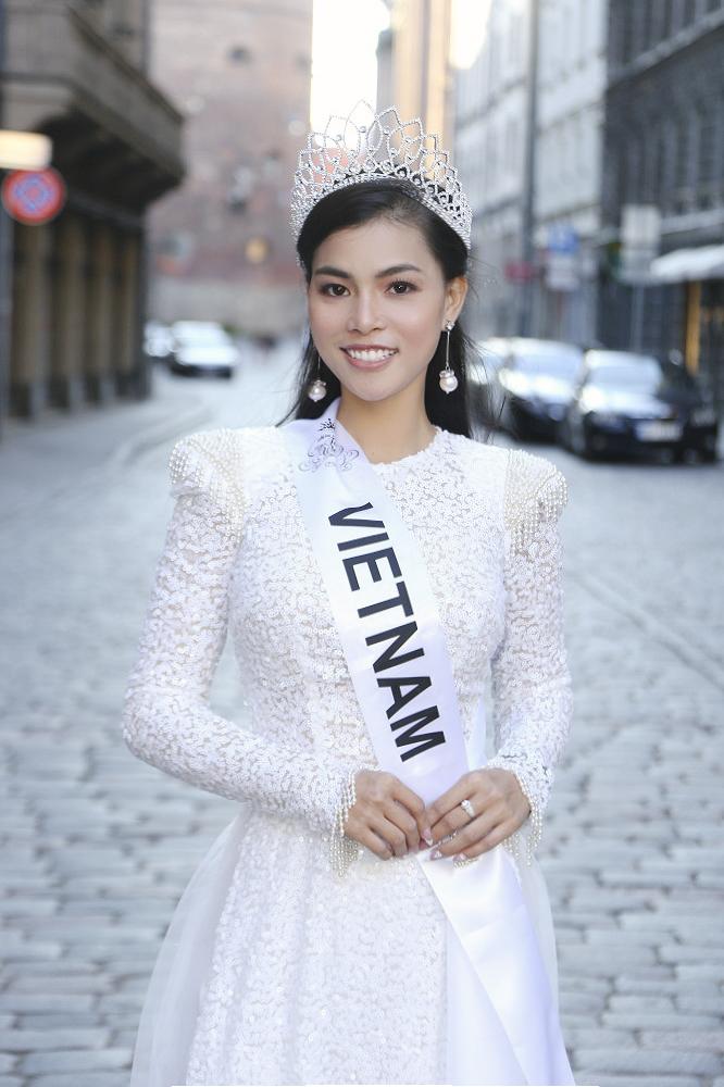 Quỳnh Như đăng quang Á hậuMiss & Mrs Top of the World 2019 - 1