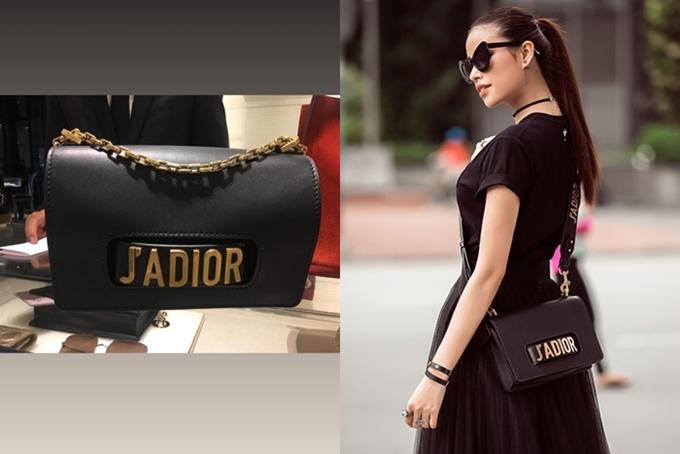 Dior Jadior ra mắt từ mùa xuân 2017 nhanh chóng chiếm được tình cảm của các tín đồ thời trang bởi thiết kế đẹp, đơn giản nhưng tiện dụng, Phạm Hương từng sử dụng item đình đám này khi đi ghi hình chương trình The Look 2017.