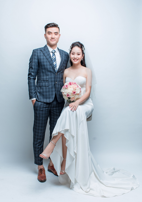 Để chuẩn bị cho ngày trọng đại, Thành An và Tú Anh đã chụp hình cưới ở một studio và phim trường ở Hà Nội.