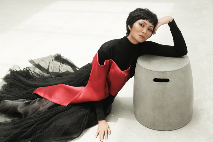 HHen Niê diện trang phục Phương My - 7