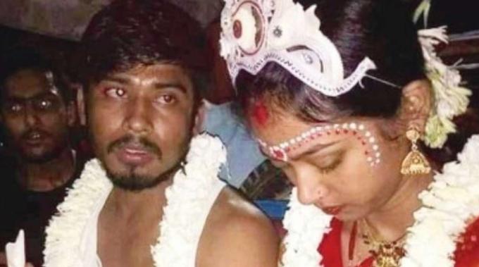 Ananta và Lipika trong đám cưới. Ảnh: Dn