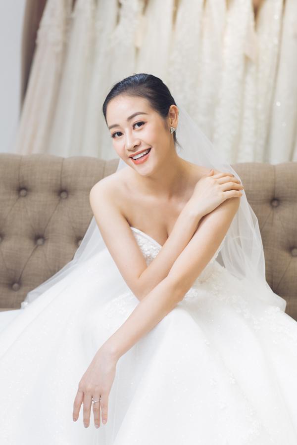 Phí Linh quyết định lập gia đình ở tuổi 30 .