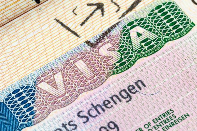 Được phép xin visa Schengen 6 tháng trước ngày khởi hành