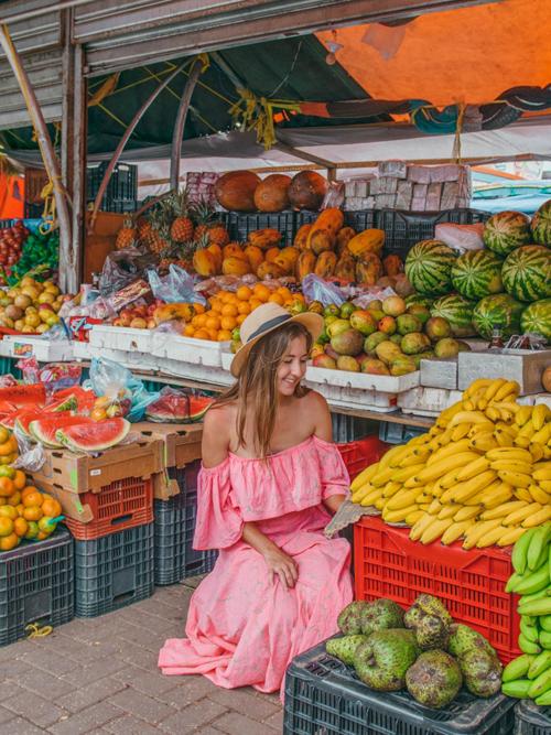 Cùng các nữ blogger khám phá Curacao - hòn đảo đối thủ của Việt Nam - 8