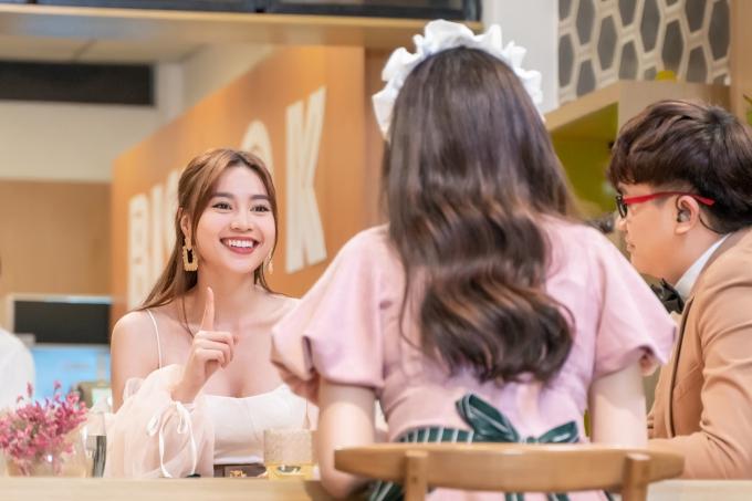 Nữ diễn viên Gái già lắm chiêu diễn viên Gái già lắm chiêu 2 còn tiết lộ cô muốn sinh bốn, năm đứa con khiến Hari Won bất ngờ
