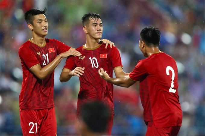 Phút 75, Tiến Linh ghi bàn ấn định chiến thắng 2-0 cho Việt Nam. Hai phút sau, Myanmar mất người khi tiền đạo Naing Tun nhận thẻ vàng thứ hai. Phút bù giờ thứ 5, Trọng Huy cũng bị trọng tài rút thẻ đỏ trực tiếp sau pha vào bóng thô bạo.