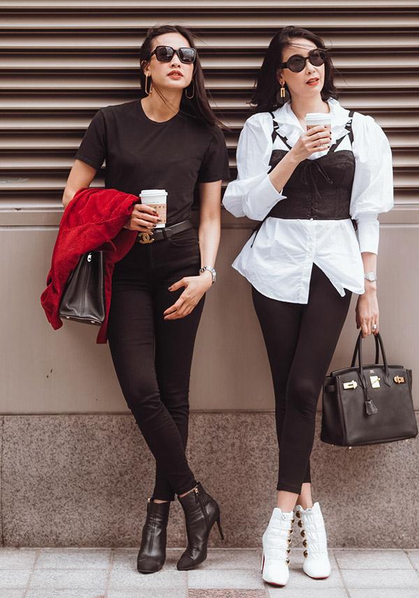 Đã lâu mới găp, hai người đẹp rủ nhau đi uống cà phê, xuống phố dạo chơi, ngắm cảnh và chụp ảnh.