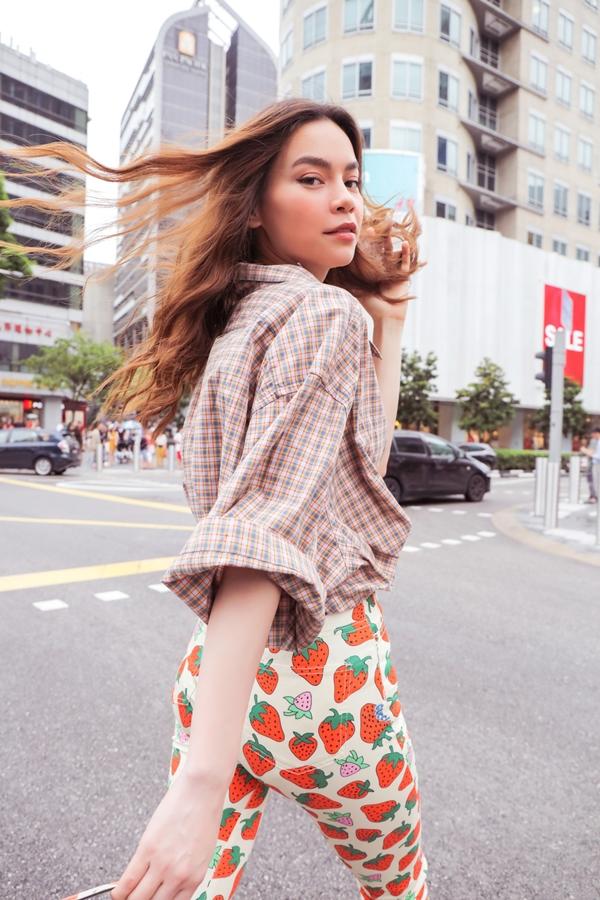 Nhiếp ảnh: Nguyễn Du, trang điểm: Mộng Hùng, stylist: Kunny Lee.