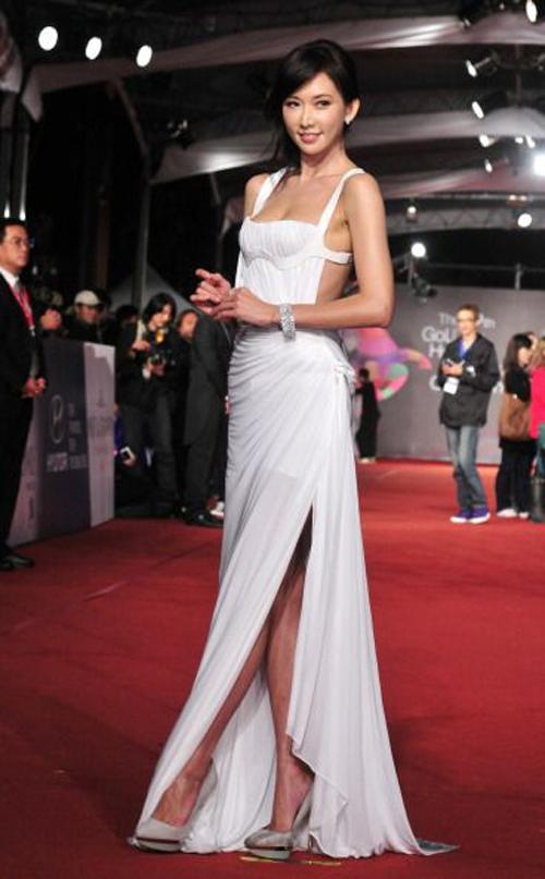 Hình ảnh Lâm Chí Linh diện váy cưới trước khi lấy chồng - page 2 - 3