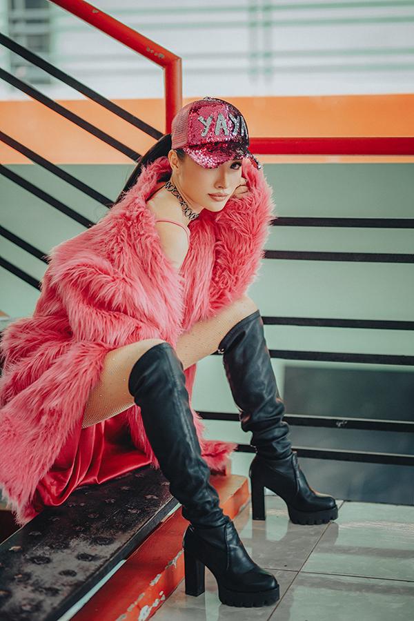 Yaya Trương Nhi mặc toàn màu hồng ở Trời sinh một cặp - 1