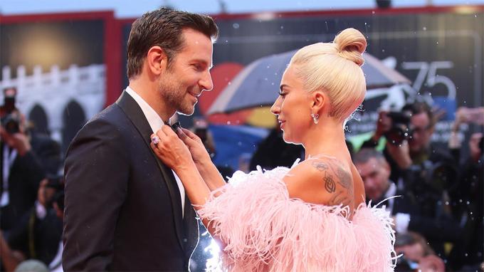 Quay phim xong, Bradley lại cùng Lady Gaga đi quảng bá phim khắp nơi.